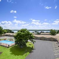 Super 8 by Wyndham Brockville, hotel em Brockville