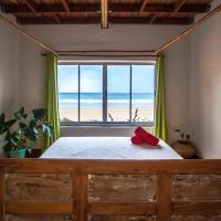 Pura Vida Tofo Beach House