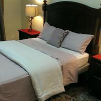 HB Guest Home 4, hotel em Waterloo
