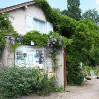 Gîtes du Jardin Francais, hôtel à Ermenonville