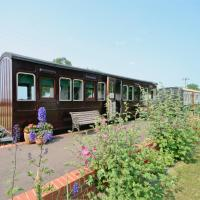 Railway Carriage One, hotel in Occold