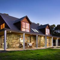 Cedar and Stone, hotel in Glenlyon