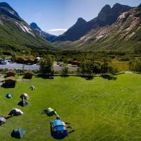 Trollstigen Camping and Gjestegård, hotel in Åndalsnes