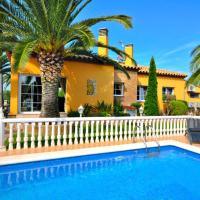 Casa con jardin y piscina en el nau