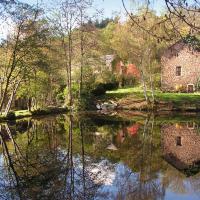 Ouroux en Morvan에 위치한 호텔 Moulin des Vernes