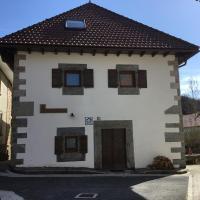Casa Rural Roncesvalles, hotel in Espinal-Auzperri