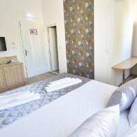 Villa Nina Hotel & Lounge bar