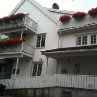 Holsthuset Losji, hotell i Grimstad