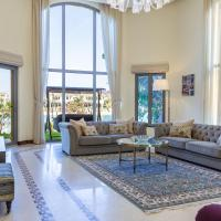 Chic 5BR Villa with Private Pool on Palm Jumeirah