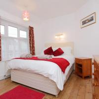 Large Cosy House Ideal for Corporate Lets, hotel in Andover