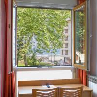 Ekia Pentsioa, hotel in Zarautz