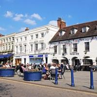Warwick Market Place Apartment