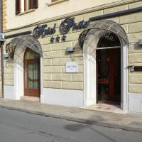 Hotel Posta, hotel in Cecina