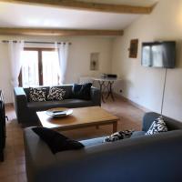 Sillans la cascade, maison de village entre Provence, Lac et Mer, hotel in Sillans-la Cascade