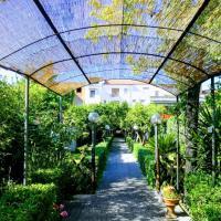 Residenza Caserta Sud - Appartamento con giardino, hotel a Caserta