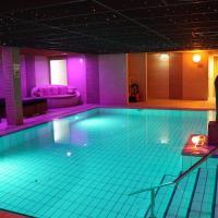 Wellness Suites Dellewal, hotel in West-Terschelling
