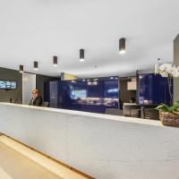 Belconnen Way Hotel & Serviced Apartments, hotel in Canberra
