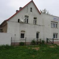 pension monika, hotel in Delitzsch