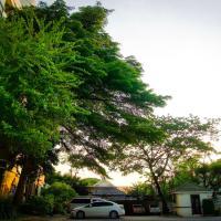 Baan Boonanan Apartment, hotel en Ban Talat Rangsit