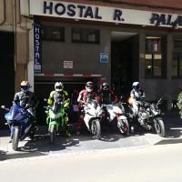 Hostal Palafox, hotel sa Barbastro