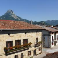Casa Rural Reparaz, hotel en Arbizu