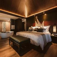 The Vira Bali Boutique Hotel & Suite, хотел в Кута
