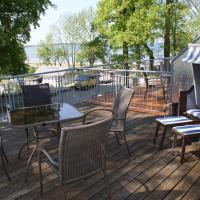 Strandhaus Zierow am Ostseestrand mit Terrasse & Parkplatz - ABC53, hotel in Zierow
