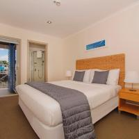 Crow's Nest Apartments, hotel in Whitianga