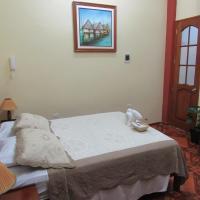 Alojamiento El Cardenal, hotel in Iquitos