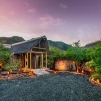Lush Private Lodge, hotel in Pilanesberg