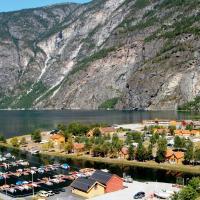 Lærdal Ferie- og Fritidspark, hotell på Lærdalsøyri