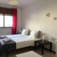 APARTAMENTO LISBOA - REBOLEIRA, hotel in Amadora