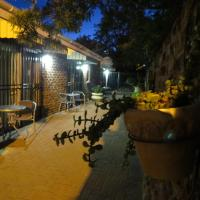 Coral Tree Guest Rooms, hotel in Worcester
