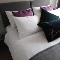 Sleep, Eat, Repeat Bed and Breakfast, hotel in Macclesfield