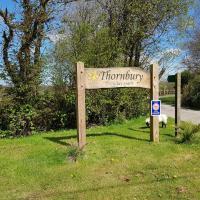 Thornbury Holiday Park, hotel in Thornbury