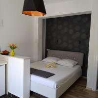 Apartments Tonći, hotel in Tribunj