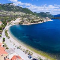 Apartments Seafront Silence, hotel in Trstenik