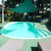Rainforest Motel, hotel in Mission Beach