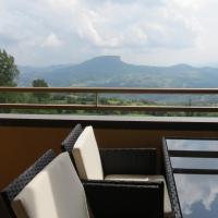 La Baita D'Oro Ristorante Residence, hotel in Monteduro