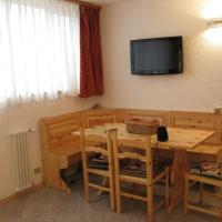Bilocale Fronte Piste - Appartamentiflarida Sansicario Alto, hotel in San Sicario