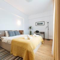 Sunny Muncii Apartment