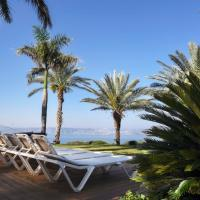 view בקתות עץ בלבן - , מלון במושב רמות