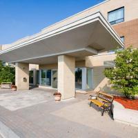Residence & Conference Centre - King City, hotel em King City
