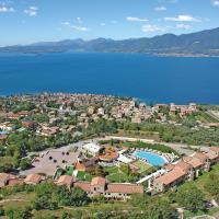 Le Torri Del Garda FamilySPA Resort, hotel in Torri del Benaco