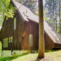 The Antler House an upscale private home located minutes from Amherst Lake, hotel in Plymouth