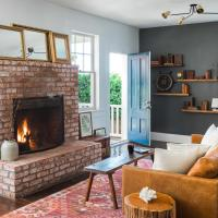 Blue Door Inns, Four Sisters Collection, hotel in Mendocino