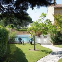 Holiday house for rent with private pool near Gordes - Luberon - Provence, hôtel à Les Taillades