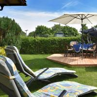 Gorgeous holiday home in Altenfeld Thuringia with parking, hótel í Altenfeld