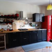 Smile apartment - Genuine Wine -Love, hotel in Alì Terme