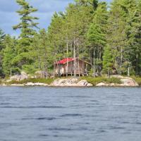 Fly-in Sinclair Lake Cabin, hotel em Port Loring